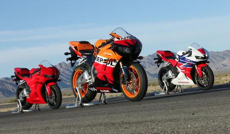 2013-Honda-CBR600RR-Group-WING3679
