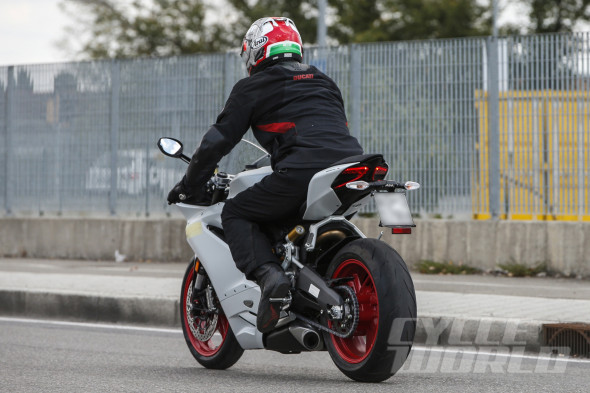 Ducati-959-Panigale-008-590x393